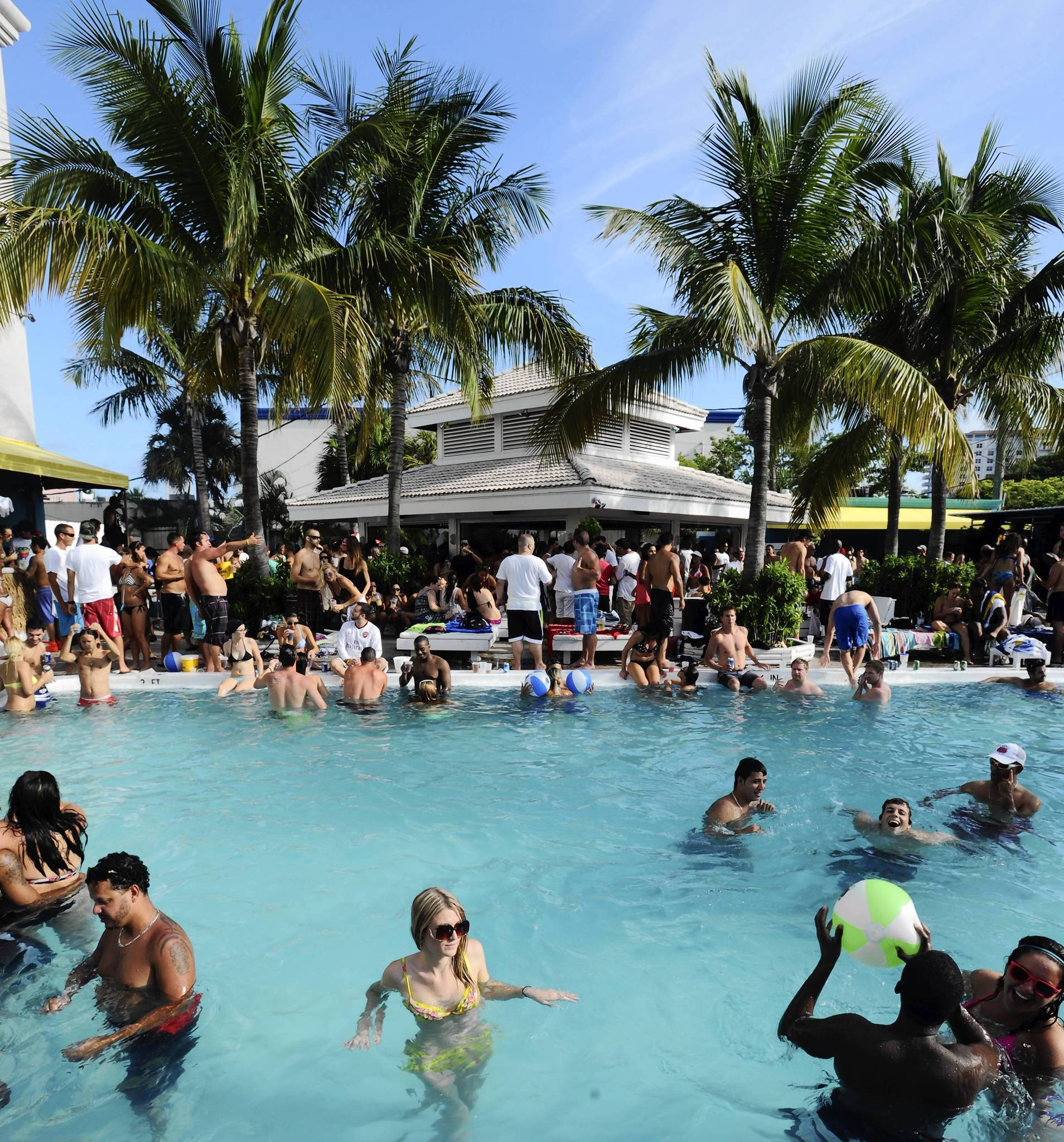 Summer\'s sizzling at these pool parties - Sun Sentinel