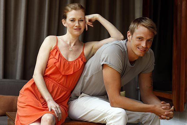 "Mireille Enos and Joel Kinnaman's friendship is easier than their characters' on ""The Killing."" <br>