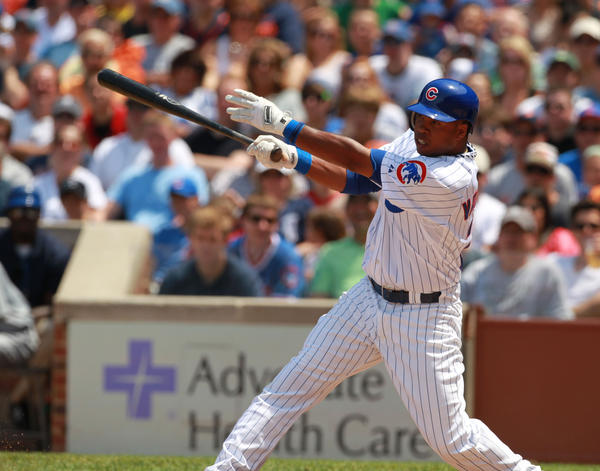 Luis Valbuena grounds out Thursday in the Cubs game against Detroit.