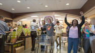 Columbia Wegmans opens to waiting throngs