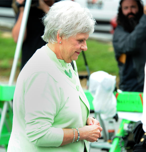Sandusky arrives to testify at her husband Jerry Sanduskys trial ...