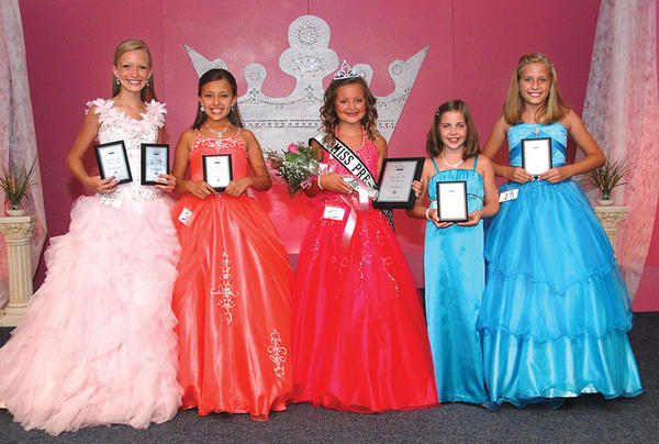 Top finishers in the Miss Preteen Clark County Fair Thursday were second runnerup, Sophie Annabelle Duncan, left; first runnerup, Channing Taulbee; Miss Preteen Clark County Liza Sinclair Holly; third runnerup, Joy Ann Lysle and Miss Congeniality, Megan Tackett.