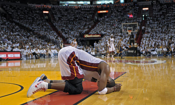 The Heat's series-opening win is overshadowed by an abdominal strain sustained by Chris Bosh. Bosh had 13 points in less than 16 minutes played when he went down.
