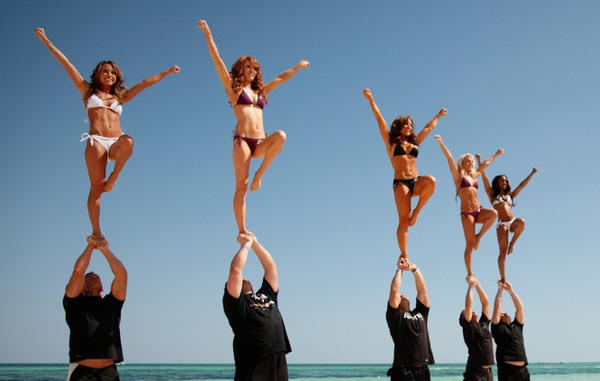 The Ravens cheerleaders stunt team -- the only male cheerleaders in the NFL -- show off some moves with their female colleagues.
