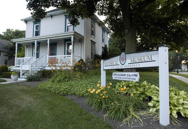 Roselle's Sumner House Museum is housed in an older foursquare-style home on Prospect Street. The museum opened in 1988.