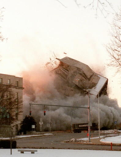 1/28/01 Shortly after 7 a.m. Sunday morning the building at 60 Washington Street in Hartford was imploded by Controlled Demolition of Phoenix, Md. Manafort Brothers of Plainville was the General Contractor on the site.