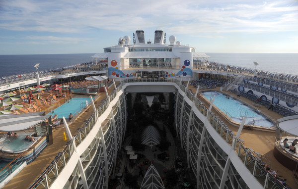 Pictures: New and soon-to-arrive cruise ships - Royal Caribbean Oasis of the Seas