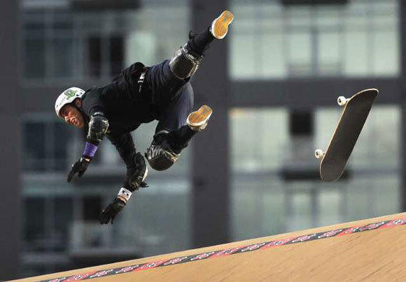 Bob Burnquist falls on his last jump but wins the gold medal in the Skateboard Big Air Final in the 17th X Games in 2011.