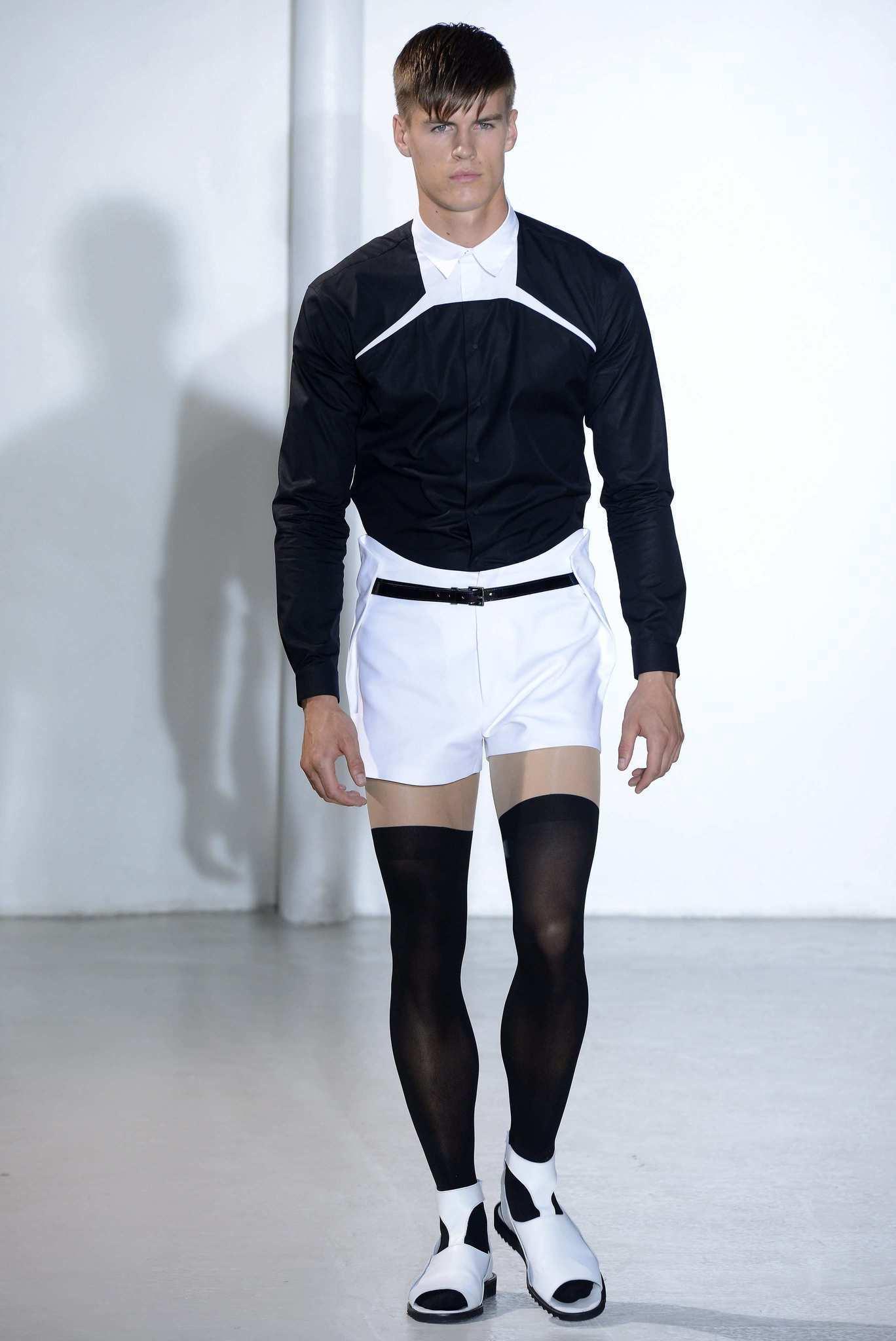 Paris Fashion Week: Mugler men's fall-winter 2013