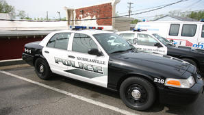 Nicholasville police arrest trio on burglary charges