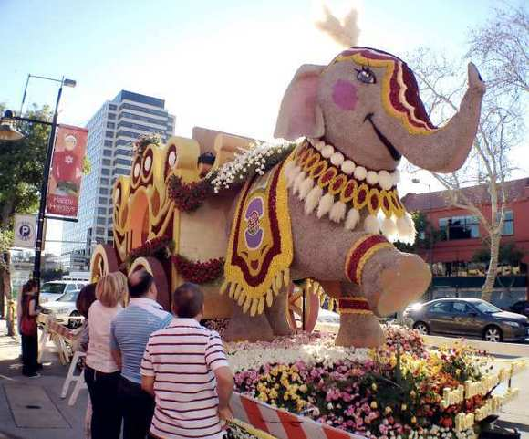 Glendale Rose Float