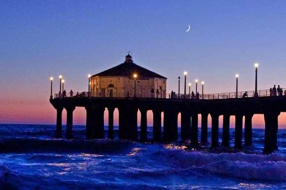 Manhattan Beach Pier in Los Angeles County