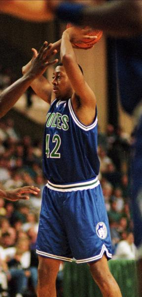 6. Donyell Marshall, fourth overall, Minnesota, 1994: Marshall was the first player to leave UConn early for the NBA, departing after his junior season. He averaged 10.8 points, 4.9 rebounds and 1.3 blocks in 40 games with the Timberwolves ¿ and he was even better after a midseason trade (for Tom Gugliotta) to Golden State. In 32 games with the Warriors, Marshall averaged 14.8 points, 6.5 rebounds and 1.2 blocks. His combined rookie averages were 12.6 points, 5.6 rebounds and 1.2 blocks. He spent four more years with Golden State before winding up with Utah, one of his nine teams, as part of a four-team trade.