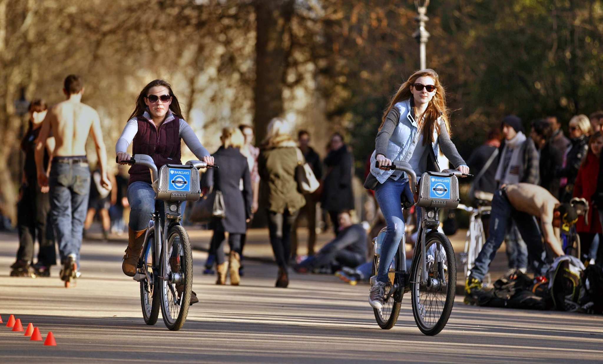 Free and inexpensive things to see and do in London - Rent a bike