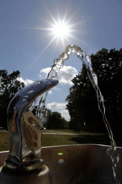 A water sprinkler in Oak Lawn