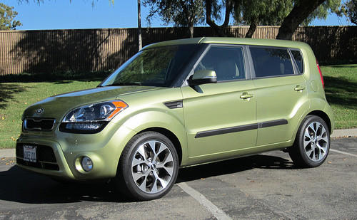 "Starting price $13,900–$19,600<br><a href=""http://www.cars.com/kia/soul/2012/"">2012 Kia Soul prices, photos & reviews</a>"