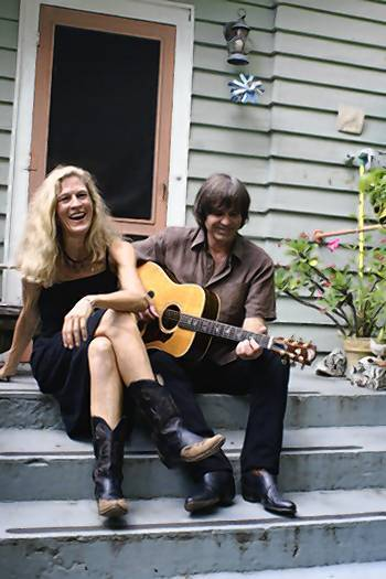 The Friends of the Laguna Beach Library proudly present a free evening of music with Jennings and Keller.