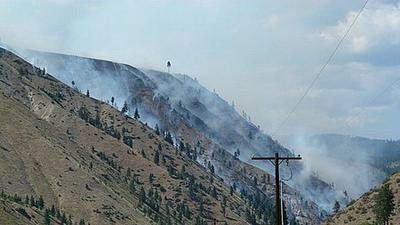 Navarre fire in central Washington covers 775 acres, 80% contained; thunderstorm starts fire in nearby Chelan Butte