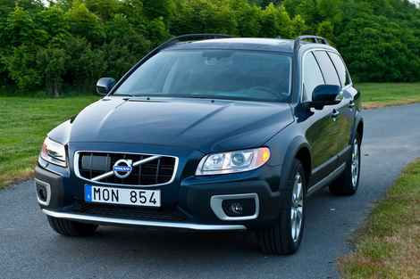 volvo xc70 puts turbo spin on old school wagon orlando. Black Bedroom Furniture Sets. Home Design Ideas