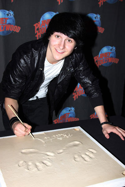 "Disney-bopper Mitchel Musso , known for his role in ""Hannah Montana,"" is finally turning 20."