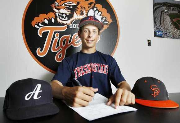 Keaton Leach signs with Fresno State