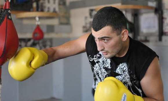Vanes Martirosyan is eying a possible title eliminator fight with Erislandy Lara after bout with Ryan Davis was canceled.
