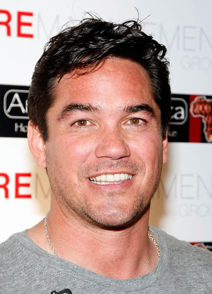 "Actor <a class=""taxInlineTagLink"" id=""PECLB000802"" title=""Dean Cain"" href=""/topic/entertainment/dean-cain-PECLB000802.topic"">Dean Cain</a> is 44 today. (Photo by Ethan Miller/Getty Images)"