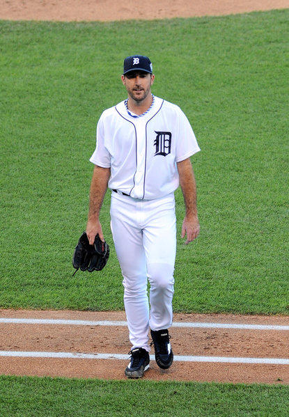 The Tigers' Justin Verlander, the starting pitcher for the American League, walks to the dugout after allowing five first-inning runs Tuesday night.