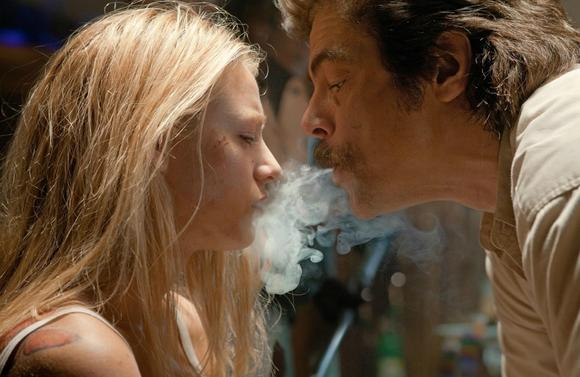 "Blake Lively as O and Benicio Del Toro as Lado in Universal Pictures' ""Savages."""
