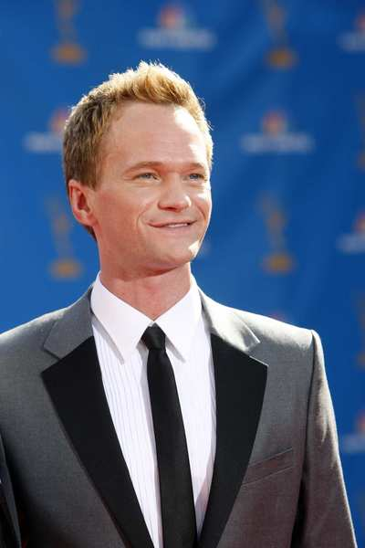"Guest judge: ""How I Met Your Mother"" star and Tony Awards host Neil Patrick Harris sat at the judges' table to help weigh in on the singers during the Season 9 Dallas auditions. Harris was part of a slew of guest judges that included Victoria Beckham, Mary J. Blige, Shania Twain, Joe Jonas and Kelly Clarkson."