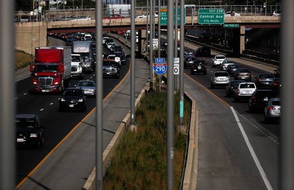Recent comments submitted to the Illinois Department of Transportation from Oak Park residents contend the agency is overlooking alternatives to relieve congestion.