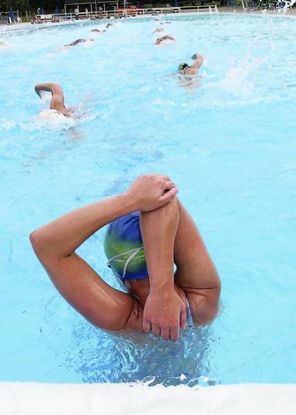 Stay fit and cool by exercising in the swimming pool.
