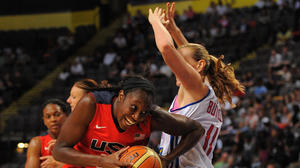 U.S. Women's Olympic Basketball Team Cruises Past Great Britain, 88-63