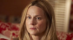 Actress in a comedy - Laura Linney, 'The Big C'