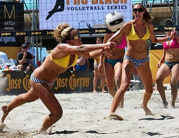 Whitney Pavlik, a former UC Irvine standout, has been excelling as a pro beach volleyball player.