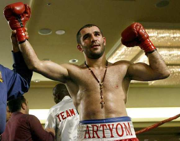 Art Hovhannisyan picked up the biggest victory of his career with a split-decision win over Miguel Acosta Friday.