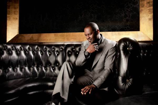 Brian McKnight, who headlined Artscape's Wells Fargo stage on Friday night, still believes in showmanship.