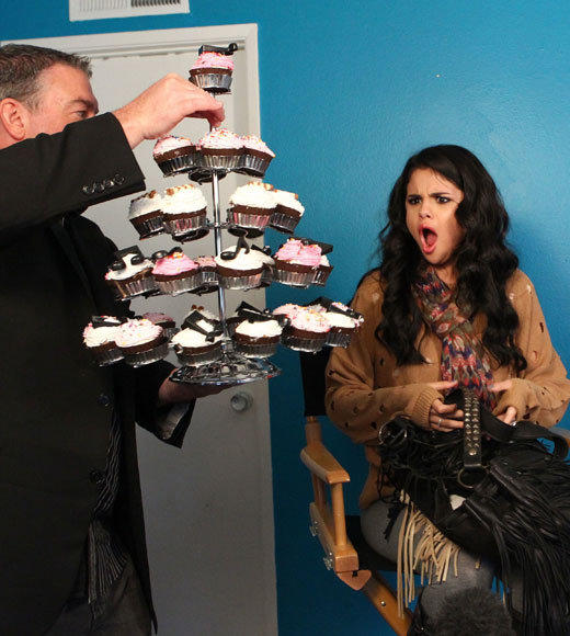 Selena Gomez: 20 things she has at 20: 4. Cupcakes