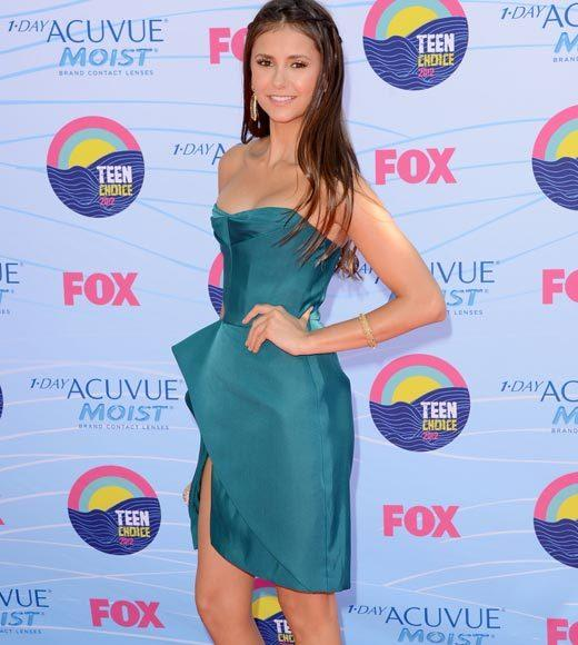 2012 Teen Choice Awards red carpet arrival pics: Nina Dobrev