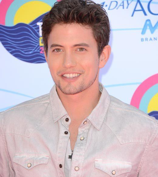 2012 Teen Choice Awards red carpet arrival pics: Jackson Rathbone