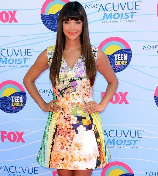 2012 Teen Choice Awards red carpet arrival pics: Hannah Simone