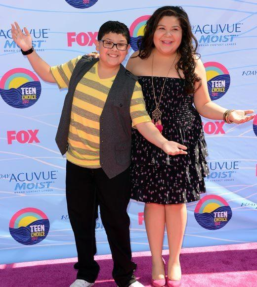 2012 Teen Choice Awards red carpet arrival pics: Rico and Raini Rodriguez