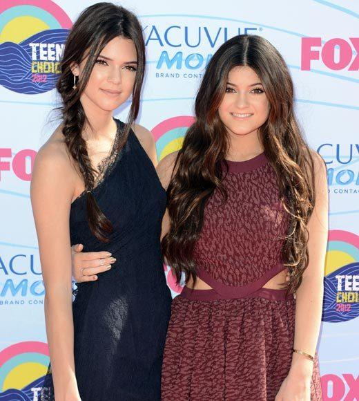 2012 Teen Choice Awards red carpet arrival pics: Kendall and Kylie Jenner