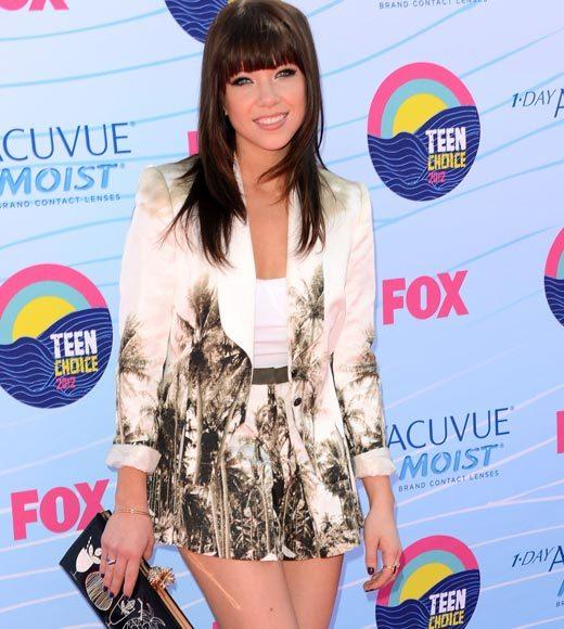 2012 Teen Choice Awards red carpet arrival pics: Carly Rae Jepsen
