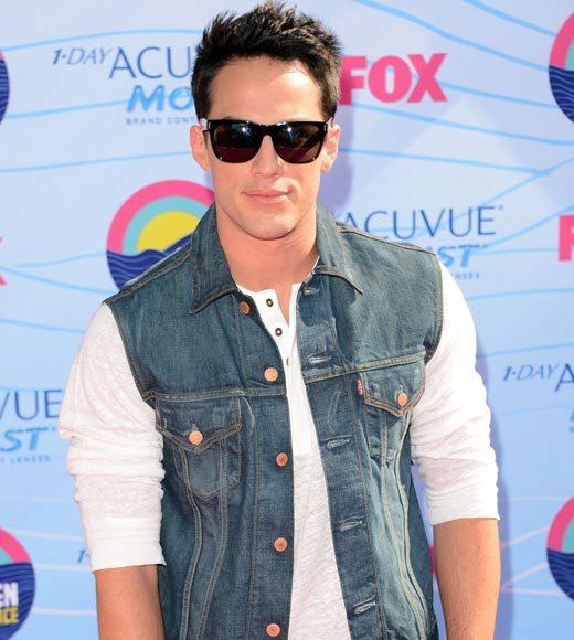 2012 Teen Choice Awards red carpet arrival pics: Michael Trevino