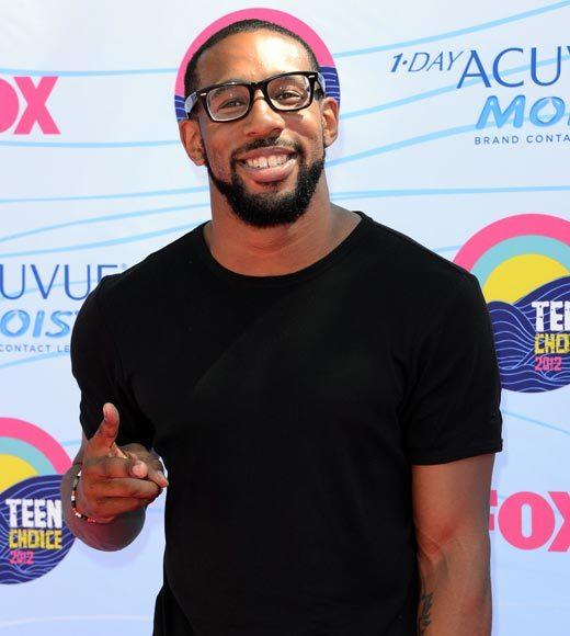 2012 Teen Choice Awards red carpet arrival pics: Twitch