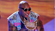 Flo Rida brings the bling