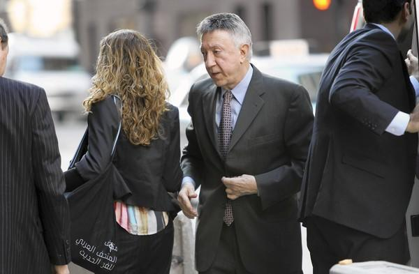 William Cellini arrives at the Dirksen U.S. Courthouse last November. Cellini had been scheduled to be sentenced Monday, but his attorneys won a delay until Oct. 4 because of his health.