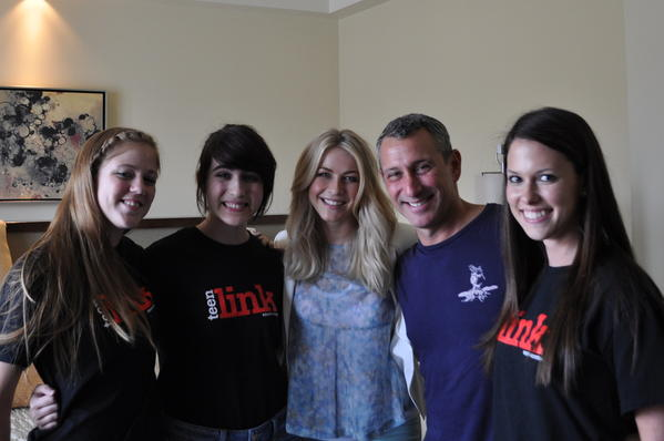 From left, Teenlink's Madison Iszler and Stacy Pasternak with Rock of Ages star Julianne Hough and director Adam Shankman and Teenlink's Lauren Miller