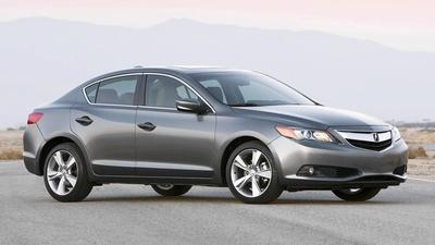 Car review: 2013 Acura ILX light on power, driver enthusiasm